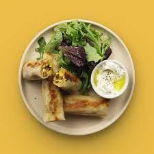 JOW - Bricks courgette, curry, feta & salade